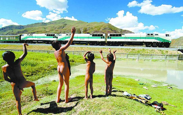 Photo, Image & Picture of Qinghai–Tibet Railway Naked Children: www.thesilkroadchina.com/photo-p4032-v314-qinghai-tibet-railway...